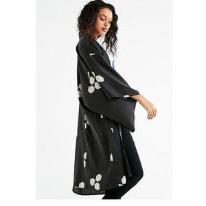 UO Black Geo Print Silky Kimono